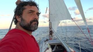 Coucher de soleil dans les mers du sud à bord de Oïkos