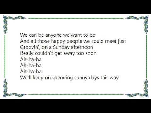 Hit Crew - Groovin' On a Sunday Afternoon Lyrics