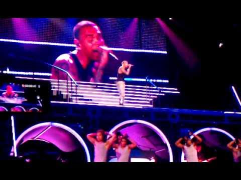 Chris Brown LIVE F.A.M.E. Tour