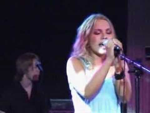 Lene Marlin 02 Never to Know [Live @ Showcase Amsterdam]