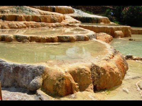 Termal Kırmızı Su Karahayıt / Karahayit Springs, Pamukkale, Denizli, Turkey -...