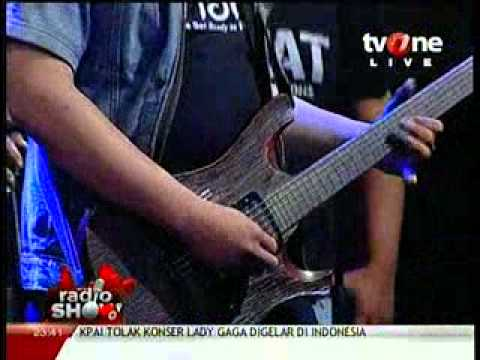 Eki Lamoh & Bhalak band (from Semarang) @RadioShow_tvOne 2012_05_22_23_36_26.mp4