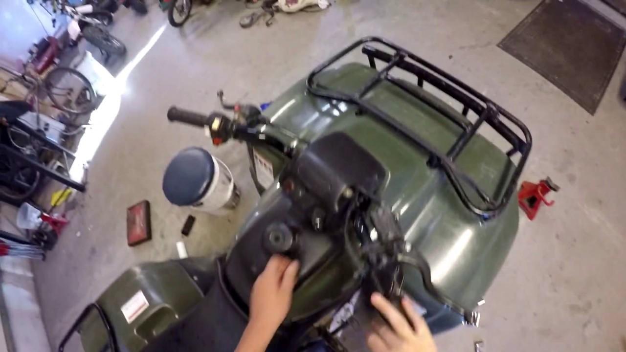 Recon 250 oil change - YouTube