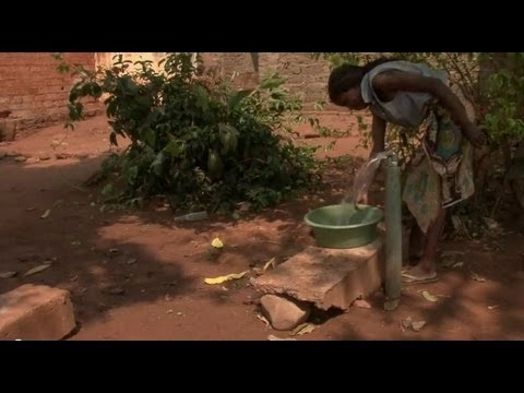 Piped water project offers health, opportunities to Angolan families.