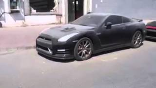 Abandoned Sports Cars In Dubai 2016! [HD]
