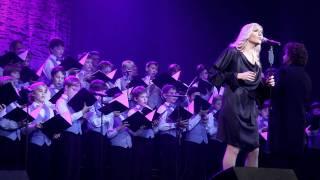 Ance Krauze un Rīgas Doma zēnu koris - Altāra uguntiņa (08.11.2011)
