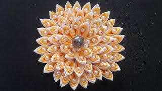 Flor de fita modelo Kanzashi
