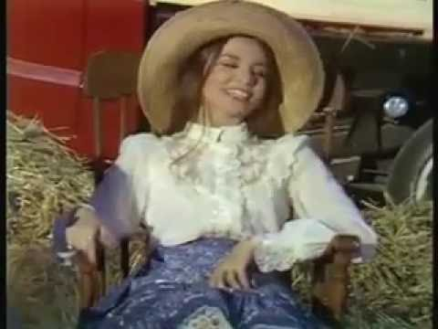 Crystal Gayle- Thank God I'm A Country Girl