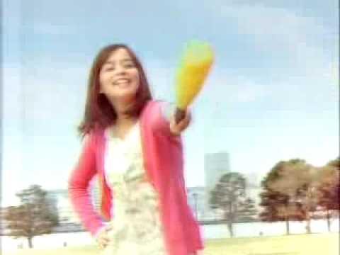 加藤ローサ ケンタッキー CM スチル画像。CM動画を再生できます。