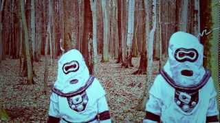 WestBam feat. Inga Humpe     -       Götterstrasse No 1