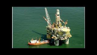 Смотреть видео Цена нефти марки Brent упала ниже 74 долларов за баррель онлайн