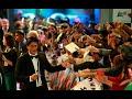 shah rukh khan surprise his fans in dubai