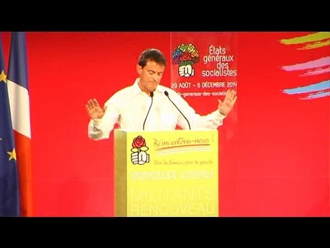 Le début du discours de Valls perturbé par les frondeurs