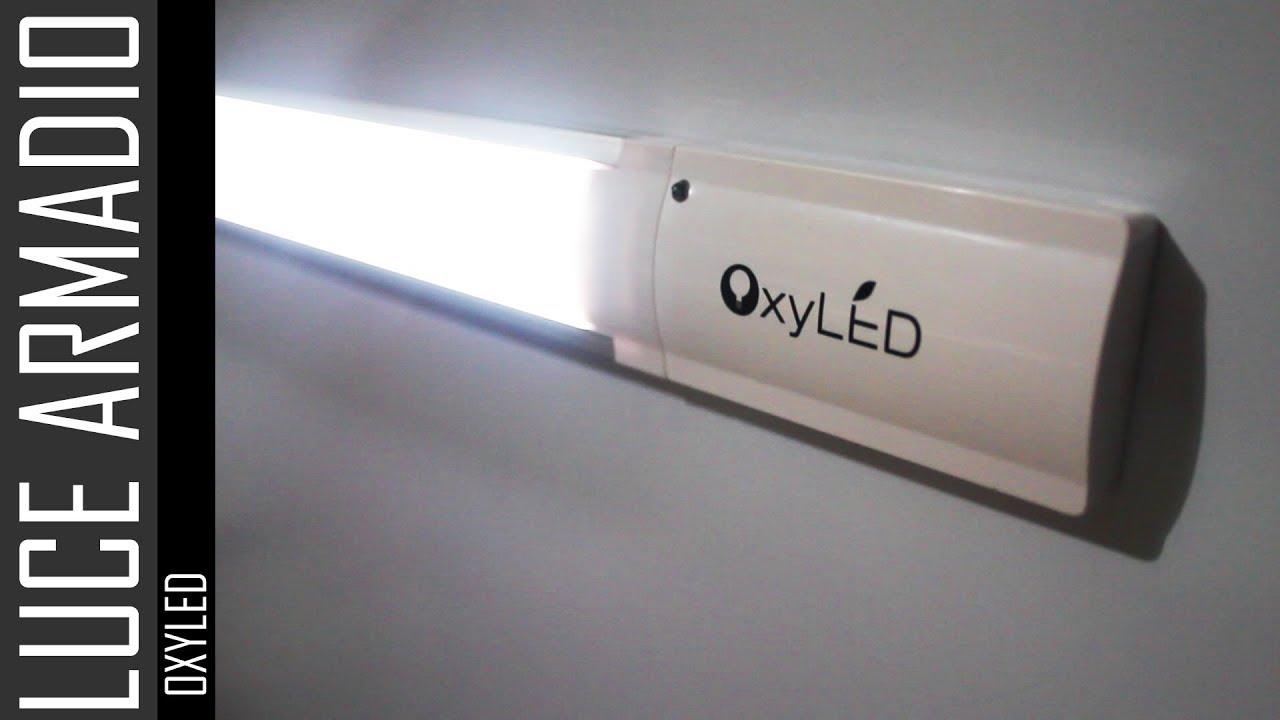Luci Per Cabine Armadio : Luce per armadio con accensione automatica oxyled t youtube