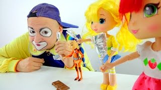 Dolls for girls eat chocolate. Funny videos....