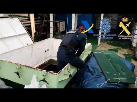 Abordan un pesquero con 15 toneladas de hachís
