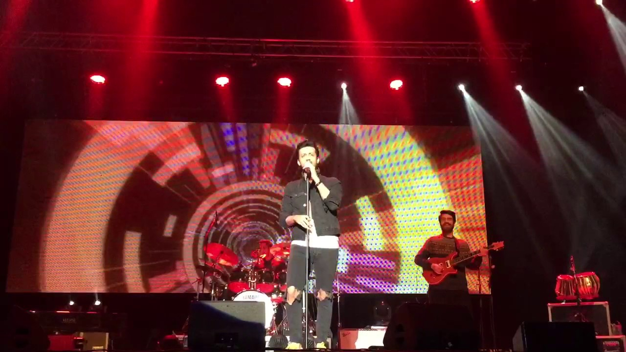 Atif Aslam Live in Leicester UK  Doorie #1