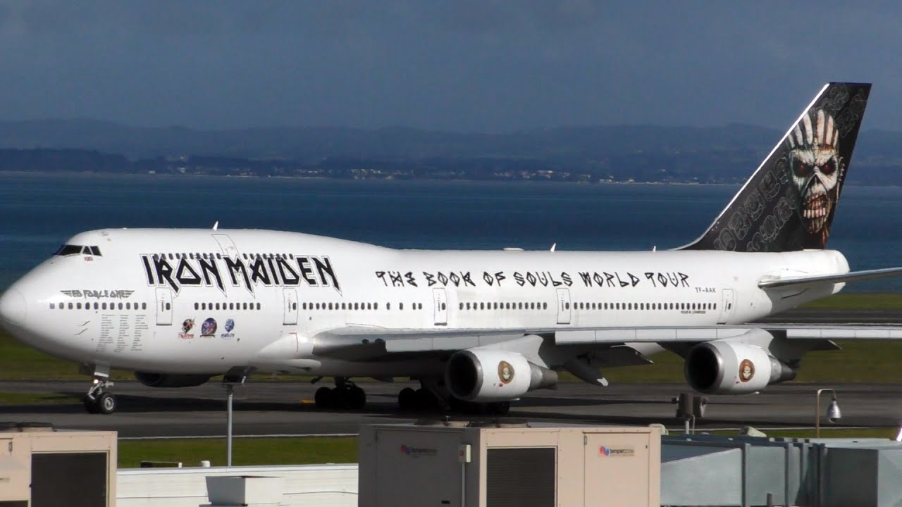 ed force one iron maiden 747 400 takeoff at auckland airport youtube. Black Bedroom Furniture Sets. Home Design Ideas