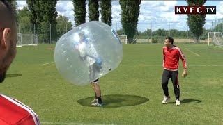Buborékfoci a Várkertben