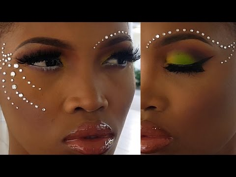 MakeOver Mondays Ep 22 by Petite Sue Divinitii | Carnival in Christmas