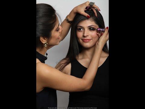 Delhi school of Makeup-Professional Make-up Graduation Shoot