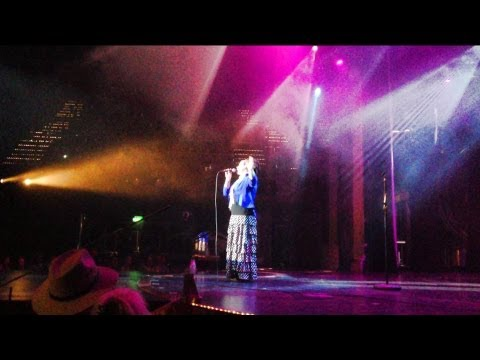 "Shara McKee Sings ""Peace in the Valley"" on Cruise"
