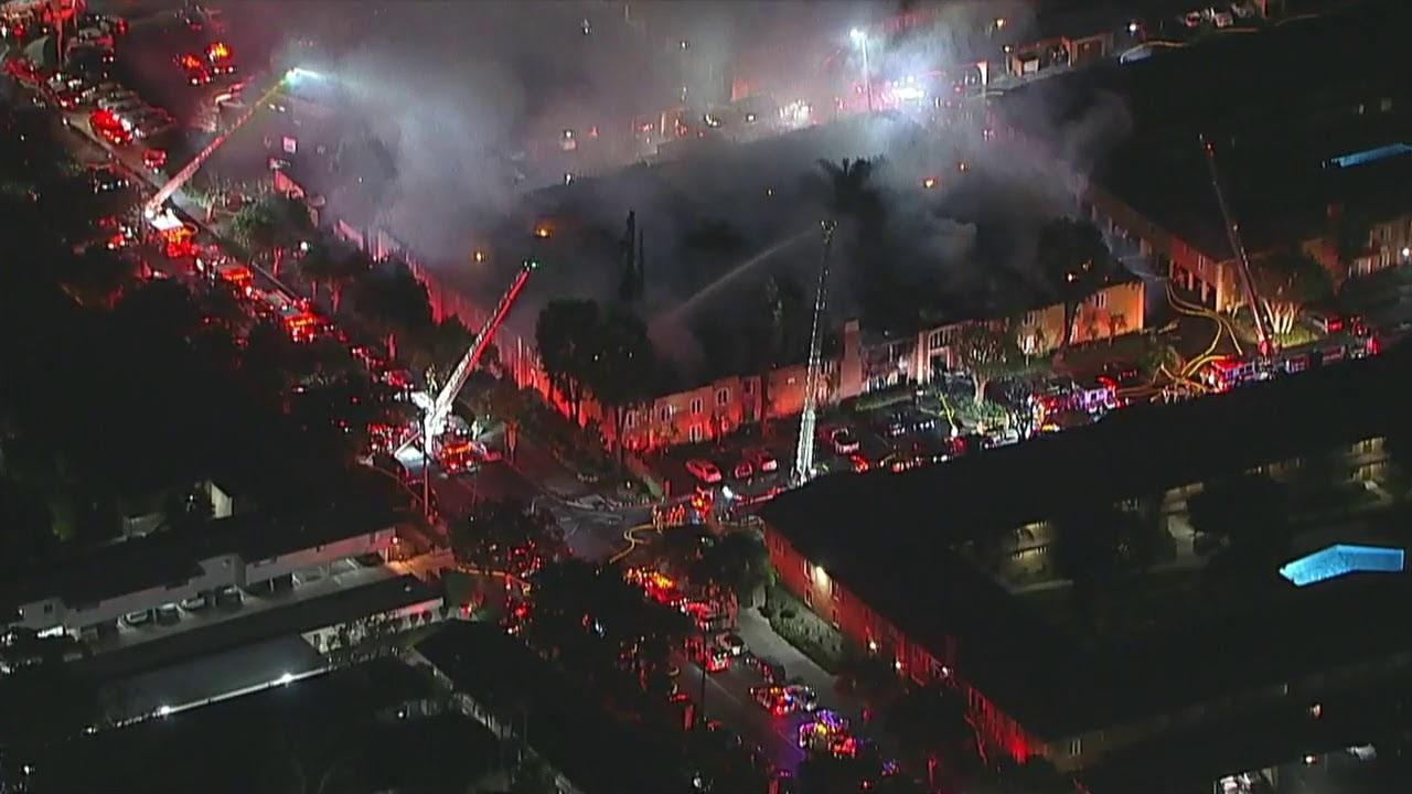 Live: Massive fire erupts at Tustin apartment building I ABC7