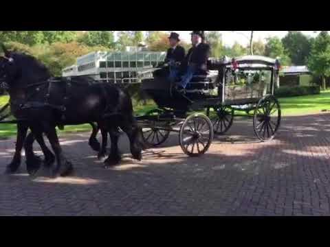 Aankomst koets crematorium