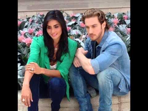 Los actores Paola Núñez y Eugenio Siller hablan de Reina ...