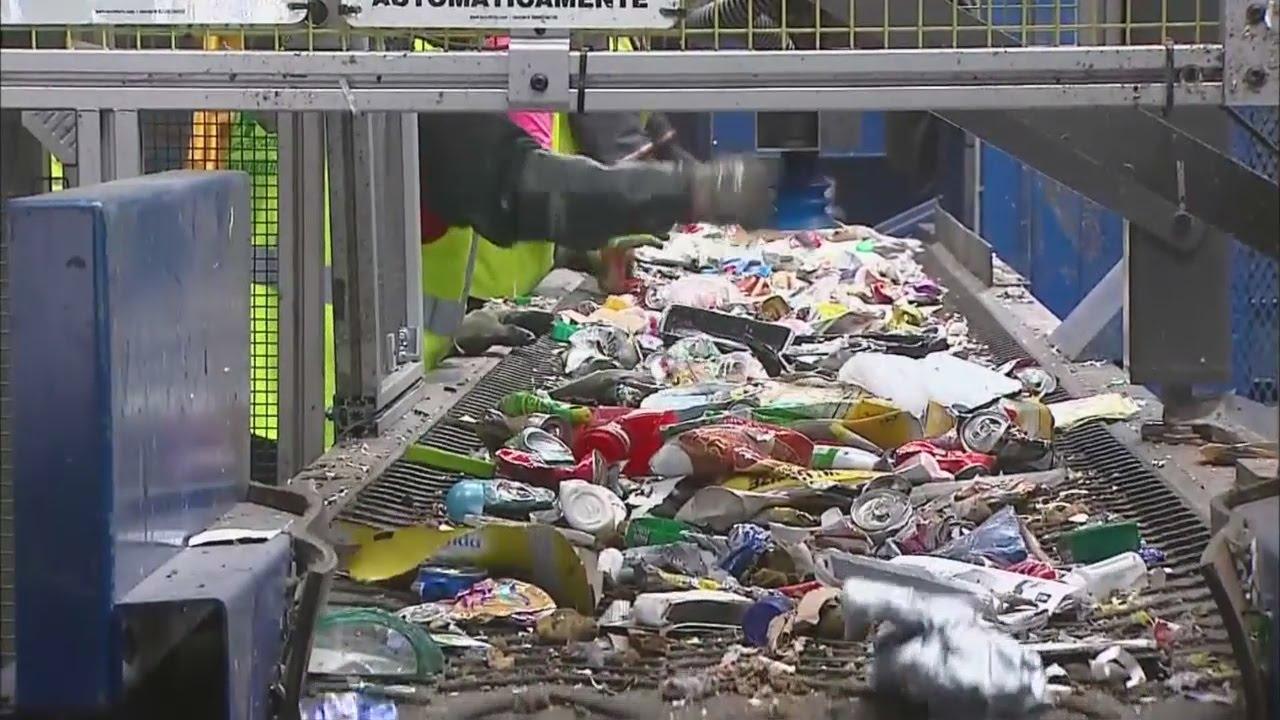 Recycling Denver Recycling Center Testing Robotic Sorter Youtube