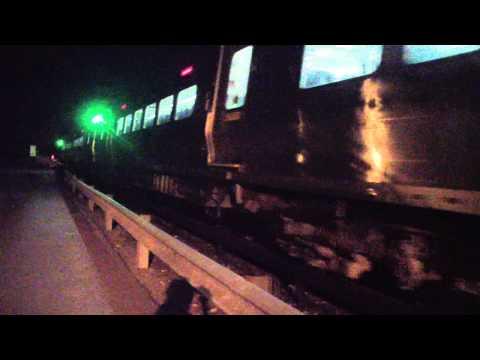Railfanning @ North White Plains on Metro North Railroad Harlem Line @ Midnight!