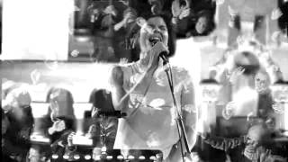 Jasmin Tabatabai ( live )