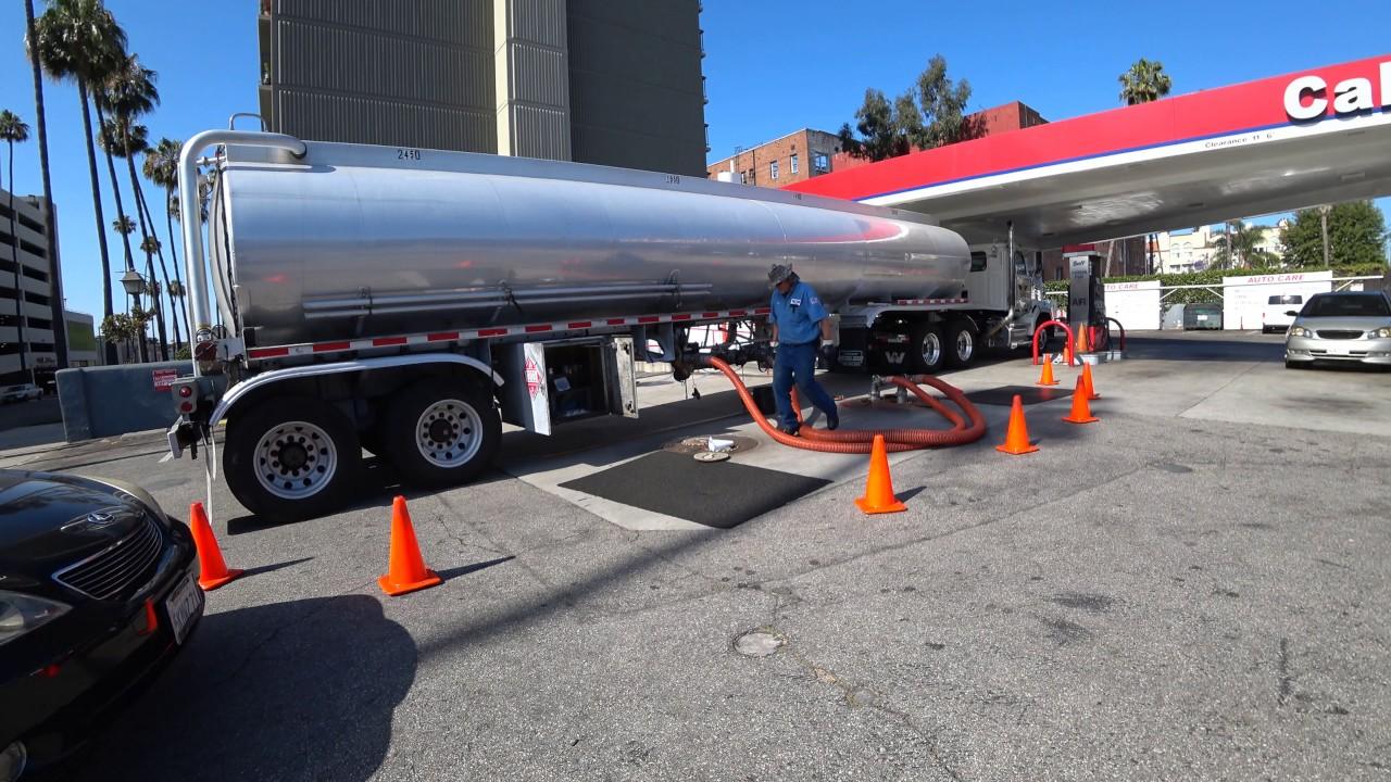 a gas truck delivering fuel at a gas station youtube. Black Bedroom Furniture Sets. Home Design Ideas