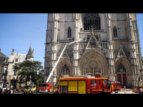 فرنسا : اللاجئ الرواندي المتهم بالوقوف خلف عن حريق كاتدرائية نانت يعترف بمسؤوليته