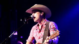 Dustin Lynch performing Cowboys and Angels Live