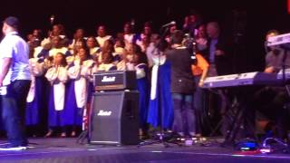 Jon Voight Joins Church Choir on Stage at Restoring Unity