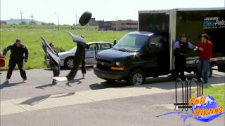 Вибух машини!!! Відео приколи!!! FunnyTubeUA(Більше відео приколів на сайті http://funnytube.com.ua/ Приєднуйся: 1)https://www.facebook.com/funnytubeUa 2)http://vk.com/funnytubeua., 2014-01-02T08:50:23.000Z)
