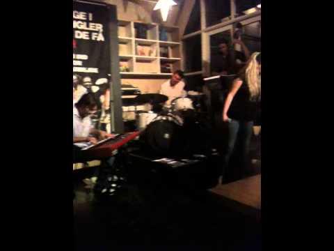 """Free Download Svingdør11 Feat. Toke Flint + Karina Kappel """"autumn Leaves"""" @ Live At Café Mandela Mp3 dan Mp4"""