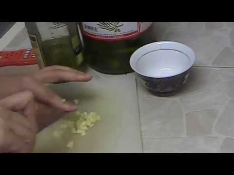 """how-to-make-garlic-oil-to-grow-hair-faster"""
