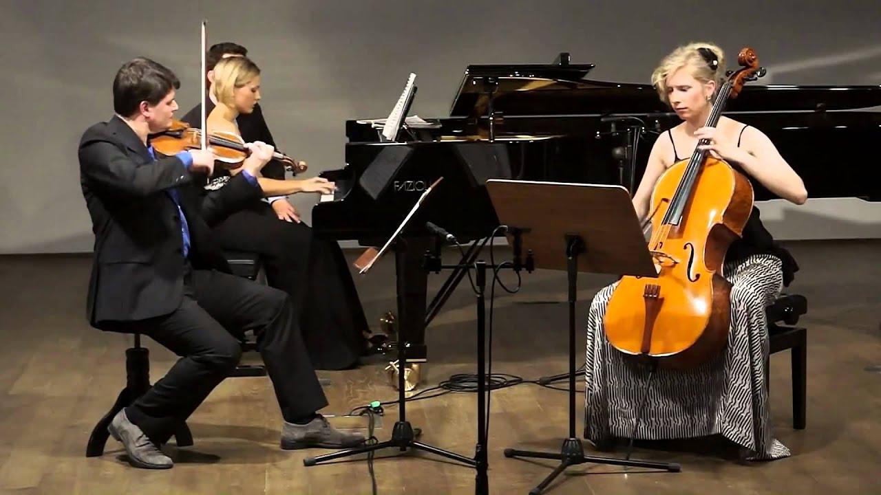 F. Mendelssohn-Bartholdy: Piano Trio d moll op 49 1st mvt: Molto allegro agitato
