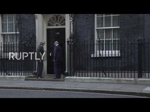 UK: Schultz meets May for Brexit talks