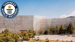 Largest display of compact discs - Guinness World Records