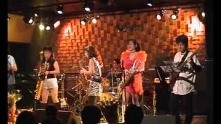 かつて名古屋を中心に活動していたアマチュアバンド、「Rosemary(ローズマリー)」と「4xX (フォーバイエックス)」の2002年の4月に撮影したジョイントライブの模様。場所は ...