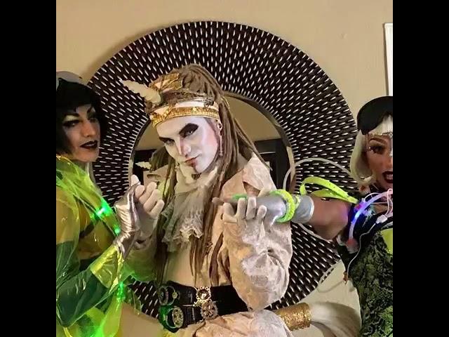 "Performance unicornio, cyberpunk dragas, dj Luis Alvarado - video clip canción ""the muzik"""