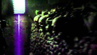 Париж 25 - Катакомбы Парижа(Километровая очередь в Парижские Катакомбы под проливным дождем и внутри катакомб., 2012-05-23T18:16:20.000Z)