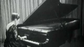 Rosalyn Tureck plays J.S.Bach - Prelude and Fugue in A Minor BWV 895