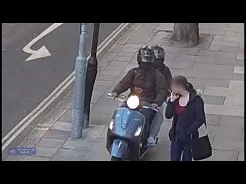 Islington phone snatch gang in action
