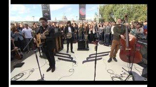 Gambar cover Mumford & Sons - Live at 5 - Sep 21st 2018