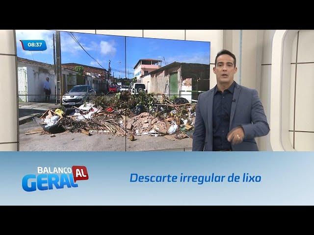 Descarte irregular de lixo provoca interdição de rua no bairro do Poço