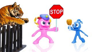 CLAY MIXER POLICE STOPS FERAL WILD TIGER 💖 Play Doh Cartoons For Kids